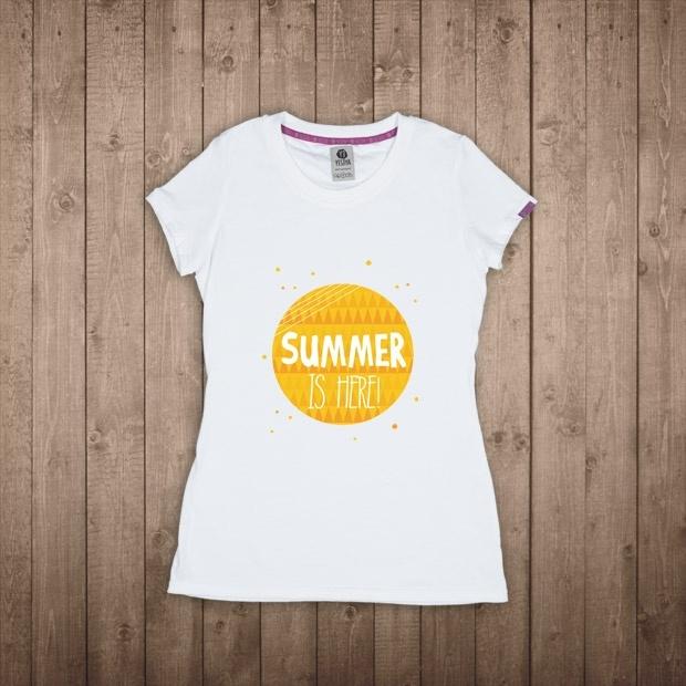 Da Londra, Emma Jennings porta il lettering su T-shirt